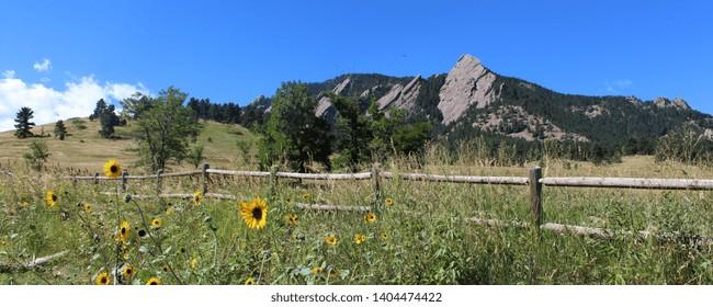 The Flatirons : rock formations at Chautauqua Park near Boulder