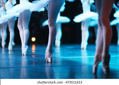 Flawless classical ballet, dancers standing on their tip-toes