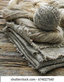 Flax fibers for the production of flax fabrics and flax yarn and thread