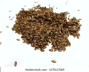 Flax seeds or flax seeds Is a plant in the Linaceae family. There are 2 species, namely brown line species. And gold species Reduce cholesterol levels in the blood.