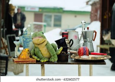 Flea market frog