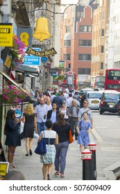 Fleet street in the city of London - a busy place - LONDON / ENGLAND - SEPTEMBER 23, 2016