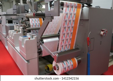 Flexographic printing machine working on labels