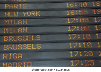 Flights information board