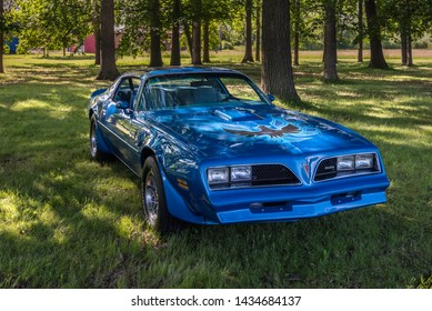 Pontiac Images, Stock Photos & Vectors | Shutterstock