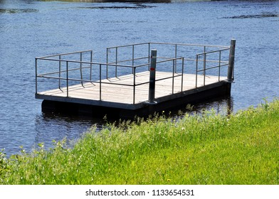 Floating dock in a sunny day