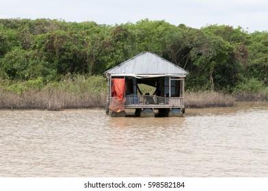 Floating House - Tonle Sap Lake - Cambodia