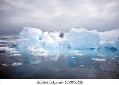Floating ice in Antactica