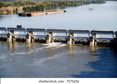 Floodgate at Illinois River Lock and Dam