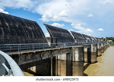 Floodgate Open all to drain at the Mool River,Ubon Ratchathani.