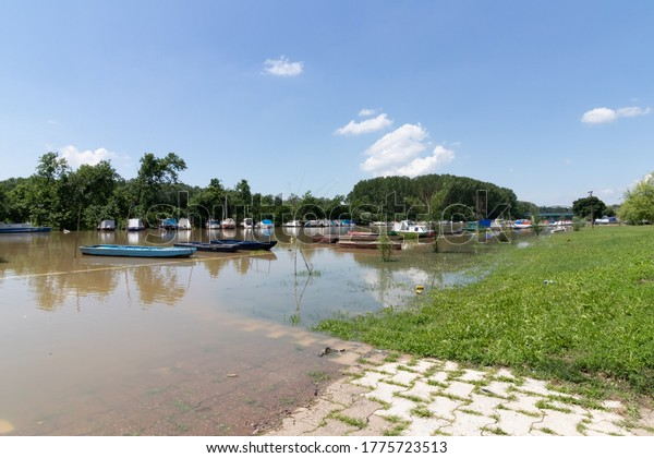 flooding-coastal-zone-river-summer-600w-