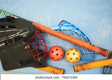 Floorball equipment - Goalkeeper helmet, stick and balls