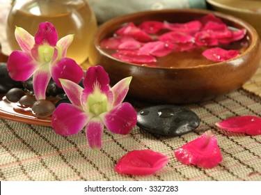 Floral bath set