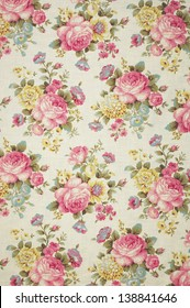 Floral Pattern Wallpaper / Background