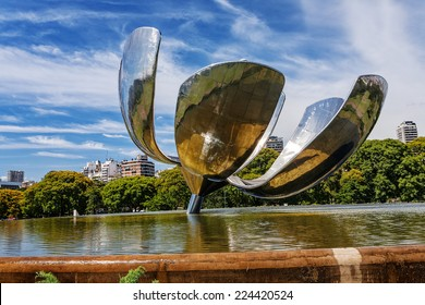 Floralis Generica sculpture made of steel and aluminum located in Argentina capital city Buenos Aires