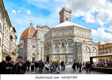 Florence, Italy - MAY 3, 2017: Cathedral of Santa Maria del Fiore and Baptistery of St. JohnBattistero di San Giovanni