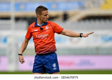 florence, Italy, November 14 2020 the referee of the match luke pearce (rfu) during Cattolica Test Match 2020 - Italy vs Scotland Autumn Nations Cup rugby match
