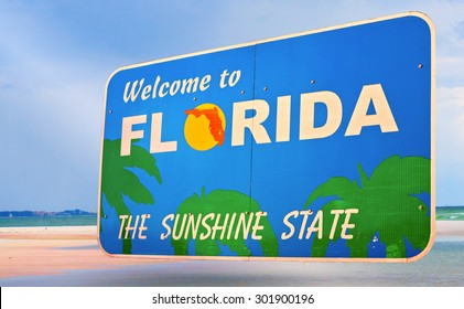 Florida official welcome sign isolated on local scenery, all photos used are from my portfolio