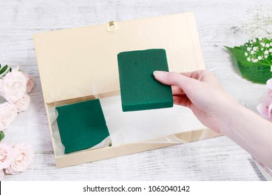 Florist at work: How to transform vintage paper box into a beautiful gift. Step by step, tutorial.