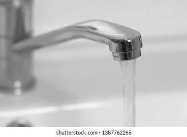 sesso con i rubinetti grande nero pene masturbarsi
