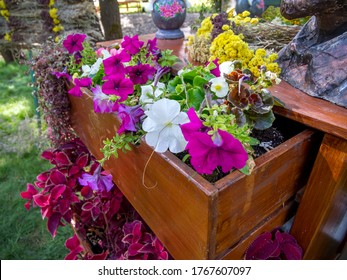 Flower bed from an old chest of drawers