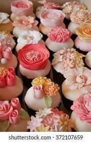 Flower fondant cupcakes - pastel pink set