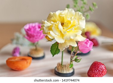 flowers on kenzans on the desktop floris