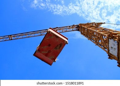 flying load under a construction crane