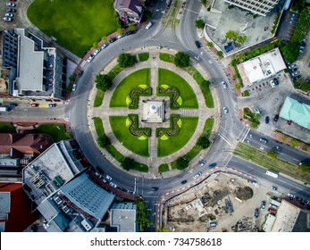 Flying over Statue of General Robert E Lee at Lee Circle In New Orleans