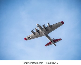 Fly-over of a B-17 Flying Fortress