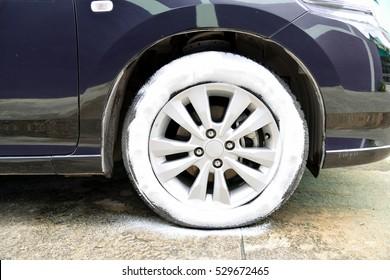 Foam for clean wheel