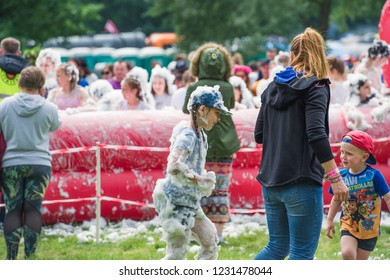 Foam party. Berzes strazdi Ligo festival. Catthorpe Manor Estate, Lilbourne Lane, Catthorpe. United Kingdom 15/06/2018