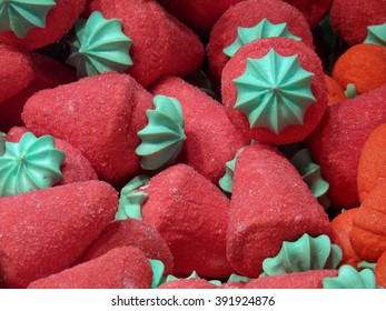 Foam sugar strawberries