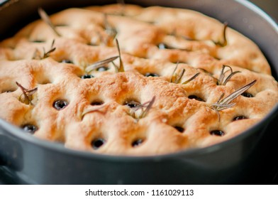 Focaccia with rosemary and black olives
