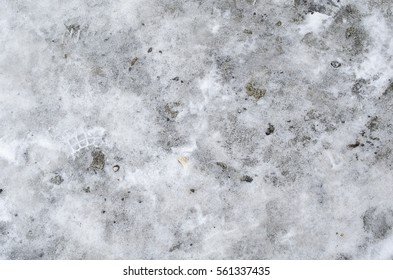 Focused texture of white fallen snow floor