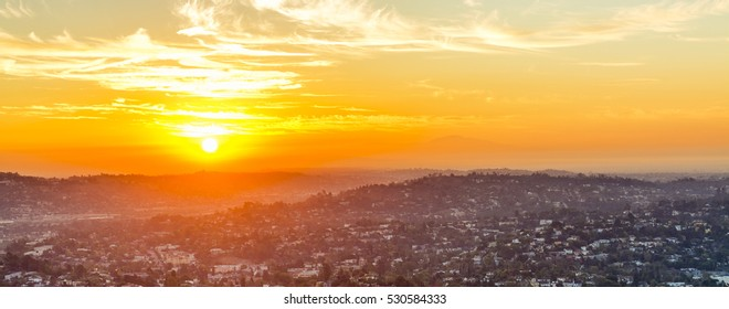 Focussing on the hills of Los Feliz and beyond, the intensity of the sun is apparent, even in November.