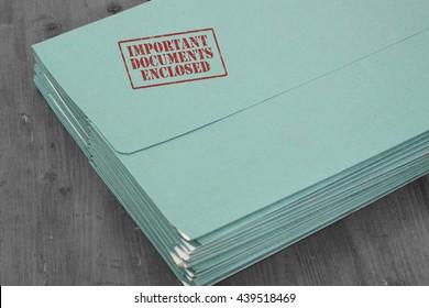Folder important documents enclosed / Folder with important documents enclosed stamped on it