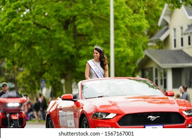 Fond du Lac, Wisconsin / USA - May 27th, 2019: Miss Wisconsin Kim Galske showing her pride in 2019 Fond du Lac MemorialMemorial Parade Parade.