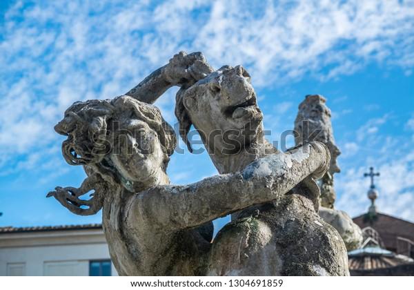 fontana-delle-naiadi-statue-woman-600w-1