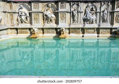 fonte gaia, Piazza del Campo, Siena, Tuscany, Italy