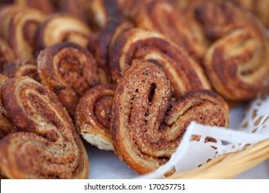 Food Baking cinnamon rolls