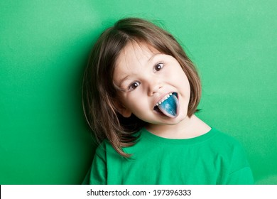 Food coloring in children's sweets