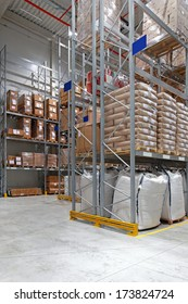 Food distribution warehouse with high shelves