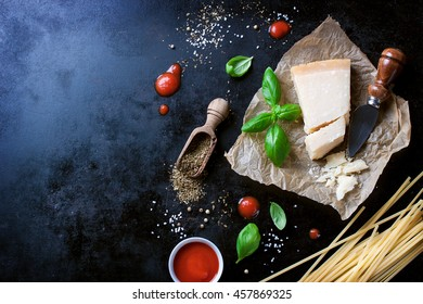 Food frame, italian food background, healthy food concept or ingredients for cooking pasta on a vintage background, top viewwith copy space