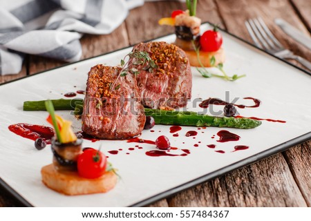 food gourmet veal medallions luxury lifestyle の写真素材 今すぐ