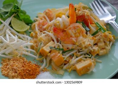 Thai food, Pad thai noodle with shrimp