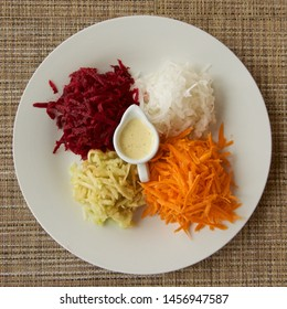 Food Photography, Salad with vegetables and sower cream