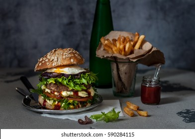 Foodporn Beef Burger with Chips and Sparkling Water, Junk Food, copy space for your text