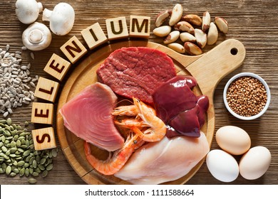 Foods High in Selenium as brasil nuts, tuna, shrimps, beef, liver, chicken meat, mushrooms, pumpkin seeds, sunflower seeds, buckwheat and eggs. Top view