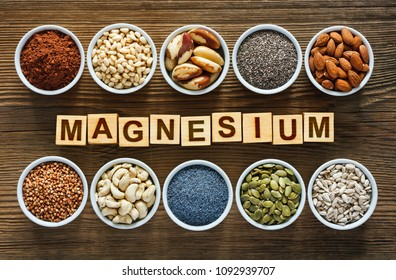 Foods rich in magnesium as pumpkin seeds, blue poppy seed, cashew nuts, almonds, sunflower seeds, buckwheat, cocoa, chia, pine nuts and brazil nuts